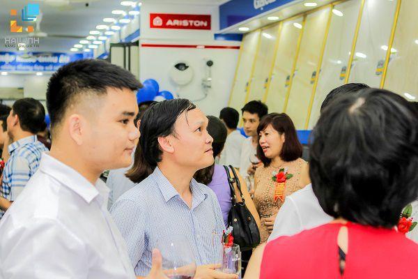 httpgachy.com.vnshowroom-hai-linh-532-duong-lang-sau-3-thang-hoat-dong-7