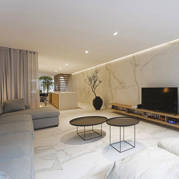 Điểm danh các mẫu gạch ốp tường phòng khách đẹp 2021 4